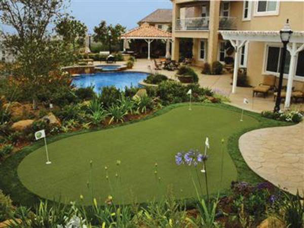 Sân golf mini trong nhà