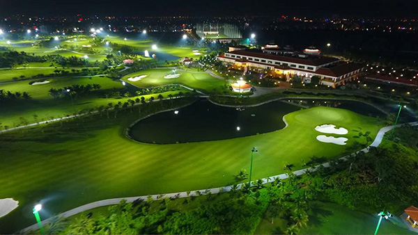 Sân golf Tân Sơn Nhất đẹp về đêm
