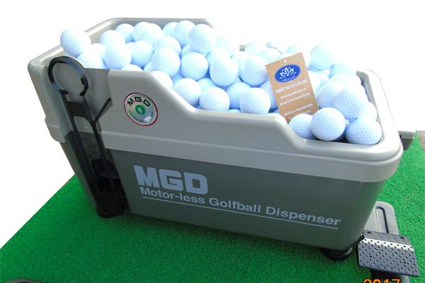 Bóng tập chơi golf Bomib04