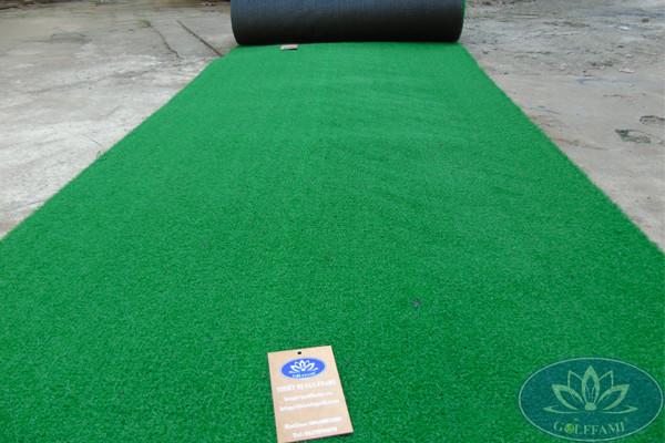 Những thảm cỏ nhân tạo sân golf