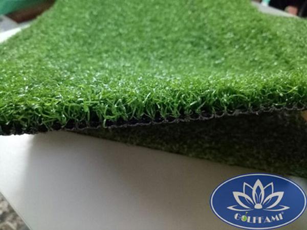 Mặt nghiêng cỏ nhân tạo sân golfGomic69