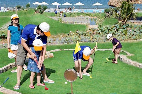 Lợi ích của việc chơi golf đối với trẻ em