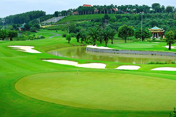 sân golf có bao nhiêu lỗ