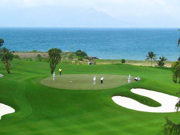 Dự án sân golf Quảng Bình